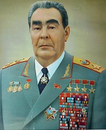 """TBT Brezhnev từng nhận 114 huân, huy chương; huy hiệu """"50 năm tuổi đảng"""" và thẻ nhà báo ảnh 2"""