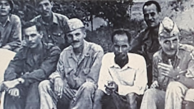 Quốc khánh 2-9: Tấm ảnh và chữ ký trong hai thời điểm nhạy cảm của Chủ tịch Hồ Chí Minh ảnh 2