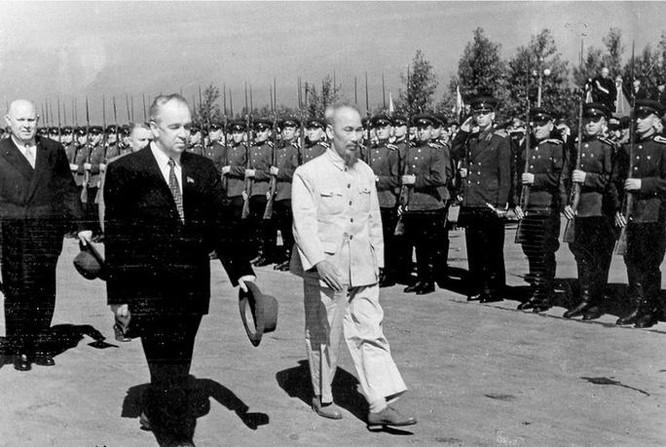 Quốc khánh 2-9: Tấm ảnh và chữ ký trong hai thời điểm nhạy cảm của Chủ tịch Hồ Chí Minh ảnh 4