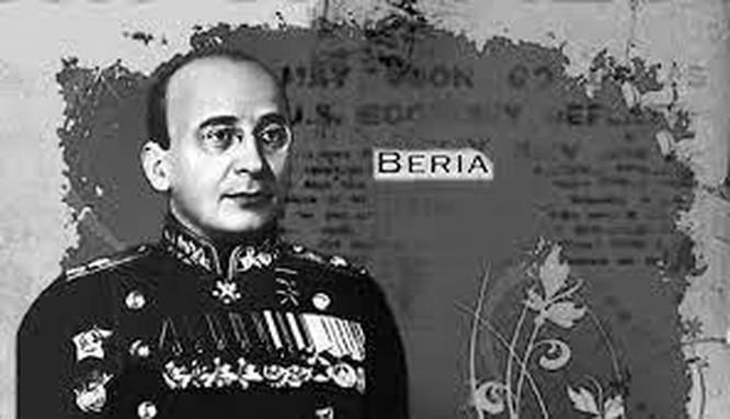 Khi bị bắt, trong két sắt của trùm KGB Beria có nhiều...đồ lót phụ nữ ảnh 2
