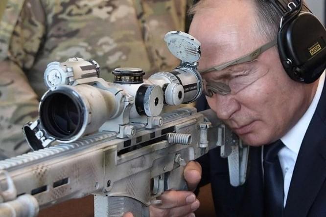 Trung tá tình báo V. Putin trấn áp đám đông, cứu tài liệu tuyệt mật mật của KGB ở Đức ảnh 4