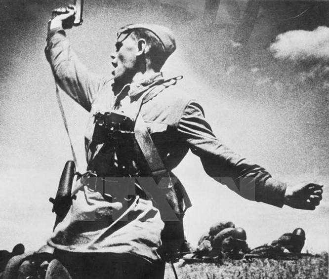 Thiên tài quân sự Stalin đã lừa cả tình báo Đức lẫn Liên Xô như thế nào? ảnh 8