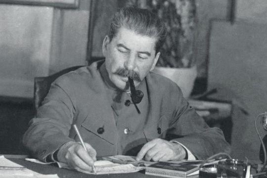 Thiên tài quân sự Stalin đã lừa cả tình báo Đức lẫn Liên Xô như thế nào? ảnh 2