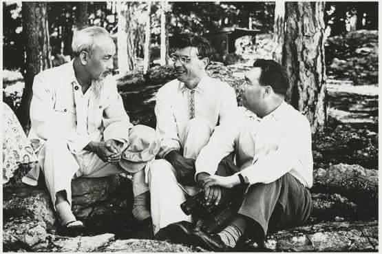 Liên Xô sẽ như thế nào nếu như Suslov là Tổng bí thư chứ không phải Khrushchev? ảnh 1