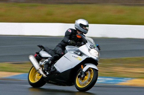 Top 10 môtô tốc độ khủng khiếp nhất thế giới ảnh 9