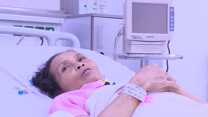 Cứu sống người phụ nữ bị khối u máu khổng lồ kích thước tới 30cm ảnh 1