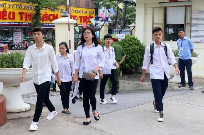 Lào Cai: Hơn 6.000 thí sinh bước vào ngày thi đầu tiên của kỳ thi THPT quốc gia 2019 ảnh 1