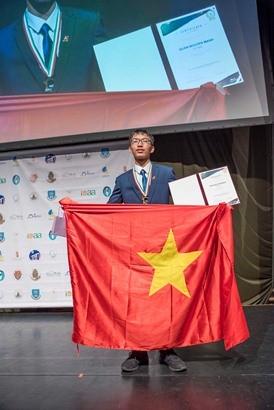 Học sinh Việt Nam được trao giải Thí sinh đạt điểm cao nhất toàn kỳ thi Olympic Quốc tế Thiên văn học và Vật lý thiên văn ảnh 1