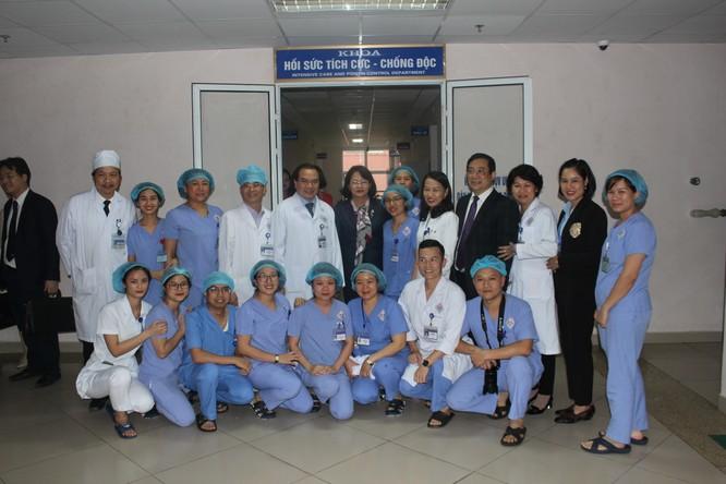 Phó Chủ tịch nước thăm và tặng quà cho bệnh nhân điều trị tại Bệnh viện Trung ương Thái Nguyên ảnh 4