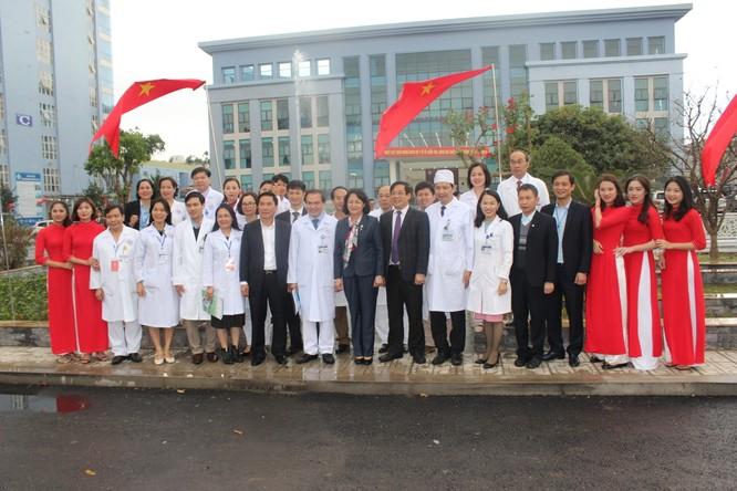 Phó Chủ tịch nước thăm và tặng quà cho bệnh nhân điều trị tại Bệnh viện Trung ương Thái Nguyên ảnh 5