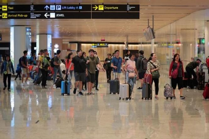 2 du khách Trung Quốc nghi mắc bệnh phổi lạ đã về nước ảnh 1