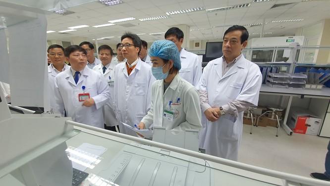 Bộ Y tế yêu cầu các bệnh viện đặc biệt lưu ý người bệnh đến từ Trung Quốc ảnh 2