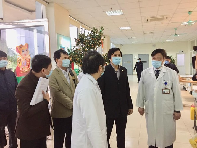 Tích cực theo dõi, điều trị bệnh nhân nhiễm chủng virus Corona mới ảnh 1