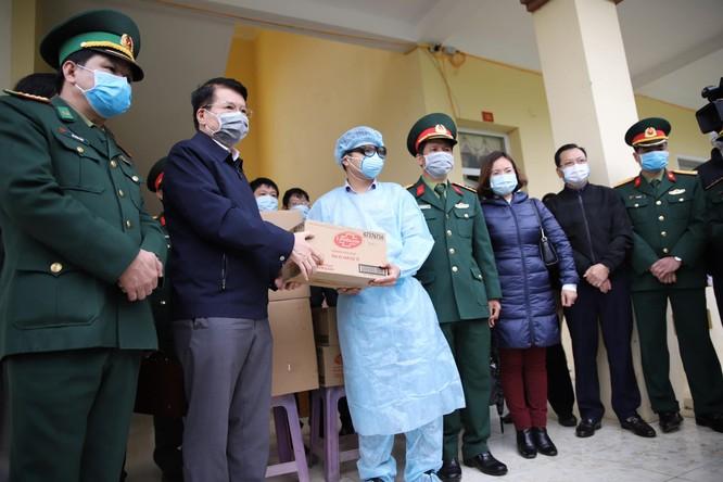 Lào Cai: Bố trí khu vực cách ly 27 trường hợp nghi nhiễm virus Corona ảnh 4