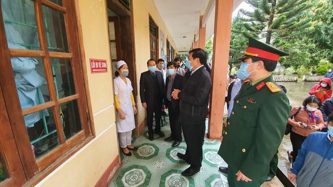 14 ca nhiễm virus Corona: Thứ trưởng Bộ Y tế gấp rút kiểm tra công tác phòng, chống dịch tại biên giới ảnh 3