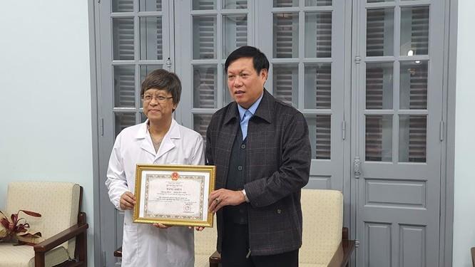 Thứ trưởng Bộ Y tế yêu cầu Viện Vệ sinh dịch tễ Trung ương tiếp tục nghiên cứu để tìm ra kháng thể chống dịch Covid-19 ảnh 3