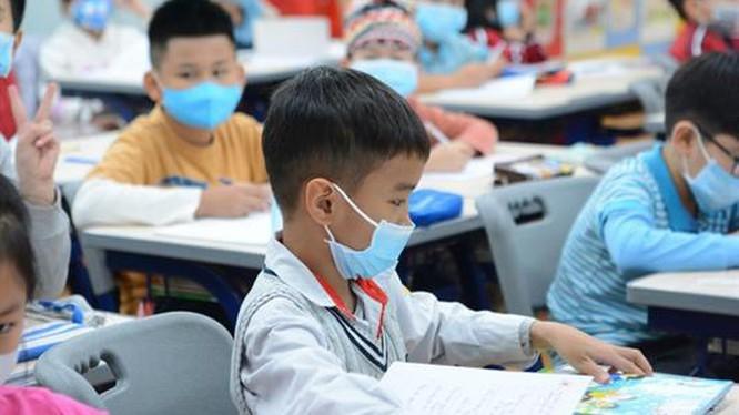 Bộ Y tế: Không để học sinh phải đeo khẩu trang y tế khi đến trường ảnh 1