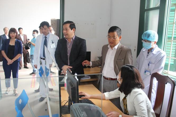 Kiểm tra công tác ứng phó với dịch COVID-19 ở các bệnh viện của Thái Nguyên và Công ty Samsung ảnh 3