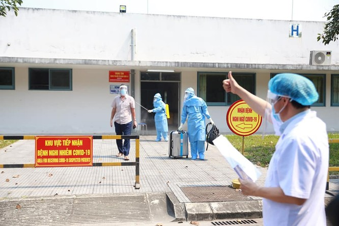 Bệnh nhân 58 tuổi người Anh nhiễm virus Corona đã khỏi bệnh ảnh 1