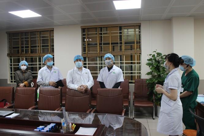 """2 bệnh viện """"bà mẹ"""" đã phòng, chống dịch COVID-19 như thế nào? ảnh 1"""