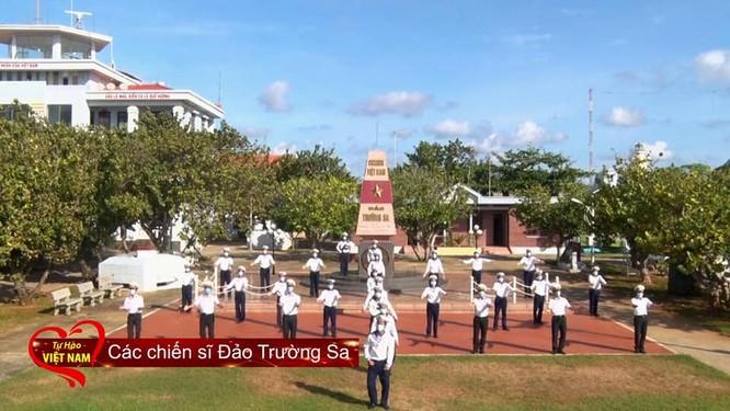 """""""Tự hào Việt Nam"""" – mang lời ca, tiếng hát cổ vũ tinh thần chiến đấu chống dịch COVID-19 ảnh 1"""