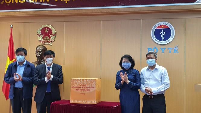 Phó Chủ tịch nước Đặng Thị Ngọc Thịnh: Cuộc chiến chống COVID-19 của Việt Nam bước đầu thành công ảnh 3