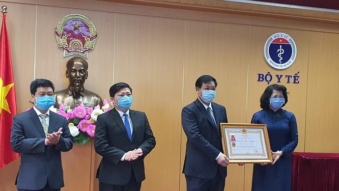 Phó Chủ tịch nước Đặng Thị Ngọc Thịnh: Cuộc chiến chống COVID-19 của Việt Nam bước đầu thành công ảnh 2