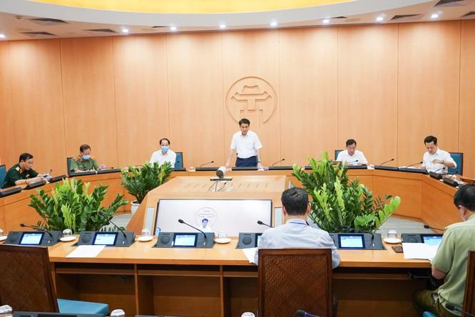 """Chủ tịch Hà Nội: Phun khử khuẩn phòng sốt xuất huyết, tuyệt đối không để """"dịch chồng dịch"""" ảnh 1"""