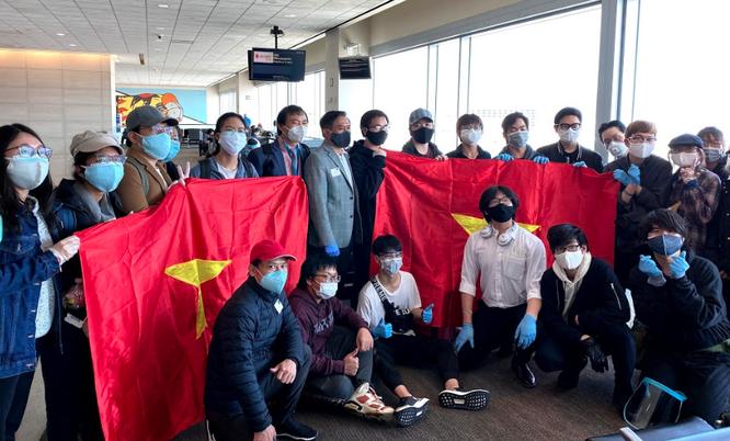 Cách ly tập trung 340 công dân Việt Nam từ Mỹ về nước ảnh 4
