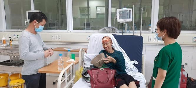 Bệnh nhân 19 trở về nhà sau gần 3 tháng chống chọi với COVID-19 ảnh 1