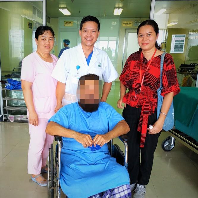 Bệnh nhân người Ả Rập Xê-út đi lại bình thường sau thay khớp háng nhân tạo bằng công nghệ hiện đại ảnh 2