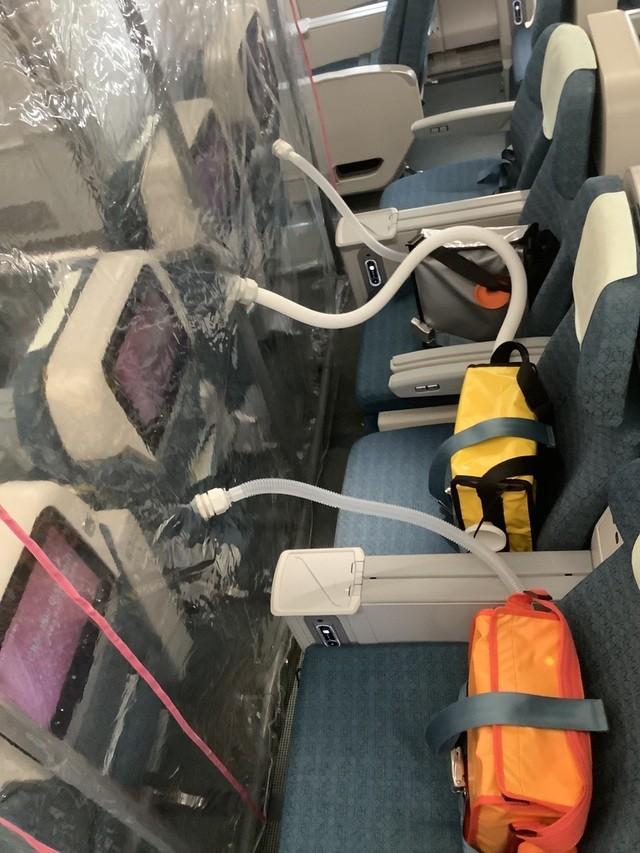 """Buồng áp lực dương """"tiêu diệt"""" 99% virus trong không khí trên chuyến bay chở 120 người mắc COVID-19 ảnh 2"""