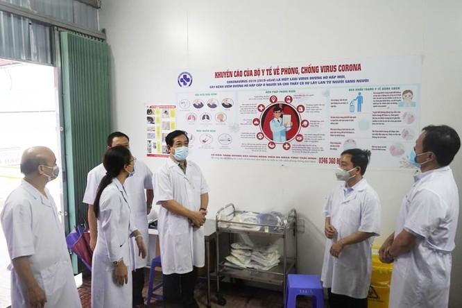 Cục trưởng Cục Quản lý Khám, chữa bệnh kiểm tra công tác phòng, chống dịch COVID-19 ở Thái Bình ảnh 1