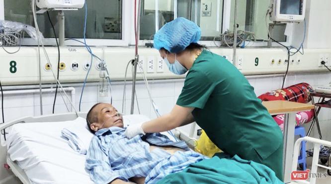 """Bác sĩ tiết lộ sự thật về quá trình khai báo y tế của BN17 từng bị """"ném đá"""" nhiều nhất ảnh 4"""