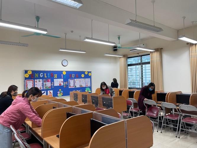 Chùm ảnh trường học gấp rút vệ sinh, phun khử khuẩn chuẩn bị đón học sinh đi học trở lại ảnh 8