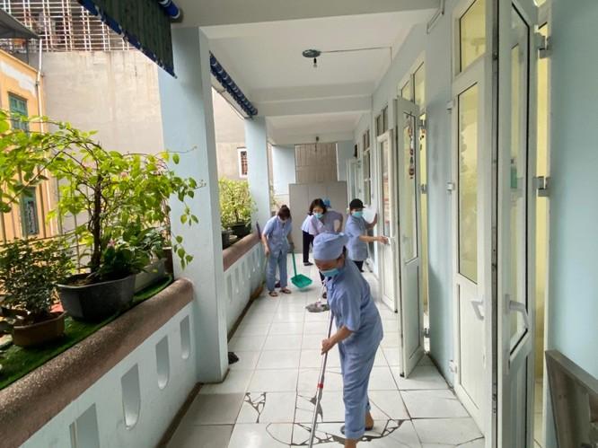 Chùm ảnh trường học gấp rút vệ sinh, phun khử khuẩn chuẩn bị đón học sinh đi học trở lại ảnh 12