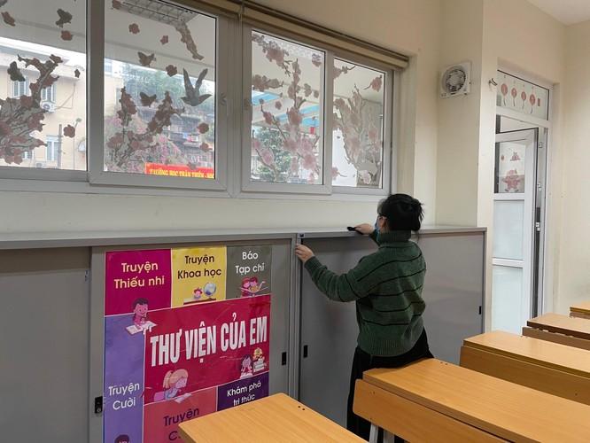 Chùm ảnh trường học gấp rút vệ sinh, phun khử khuẩn chuẩn bị đón học sinh đi học trở lại ảnh 11