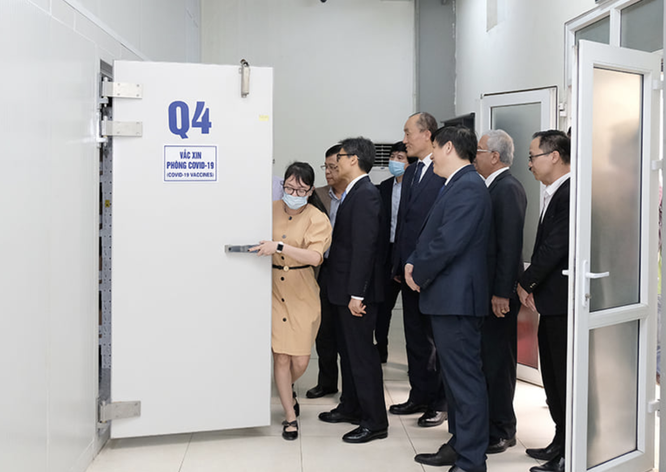 Phó Thủ tướng: Việt Nam đạt được bước tiến quan trọng khi tiếp cận nguồn vaccine phòng COVID-19 ảnh 2