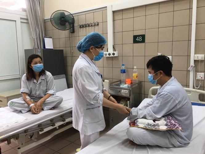 Vợ cùng chồng nhập viện khẩn cấp sau khi đuổi muỗi bằng tinh dầu xông hơi có thuốc sâu ảnh 1
