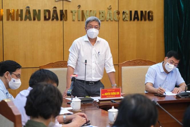 Thứ trưởng Bộ Y tế chỉ ra 4 việc Bắc Giang phải làm ngay để dập dịch ảnh 1