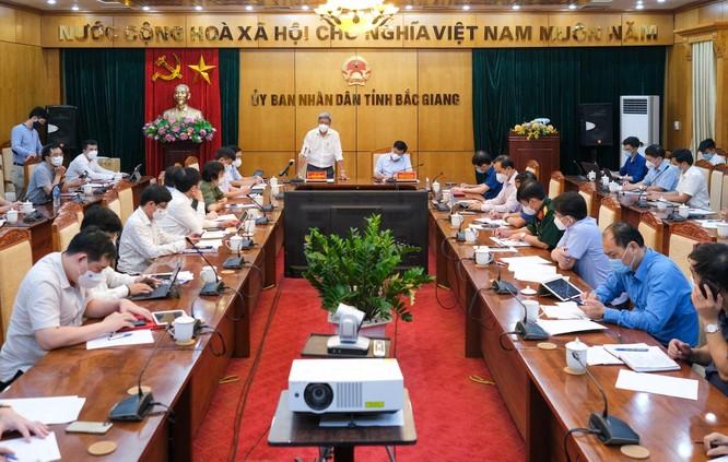 Thứ trưởng Bộ Y tế chỉ ra 4 việc Bắc Giang phải làm ngay để dập dịch ảnh 3