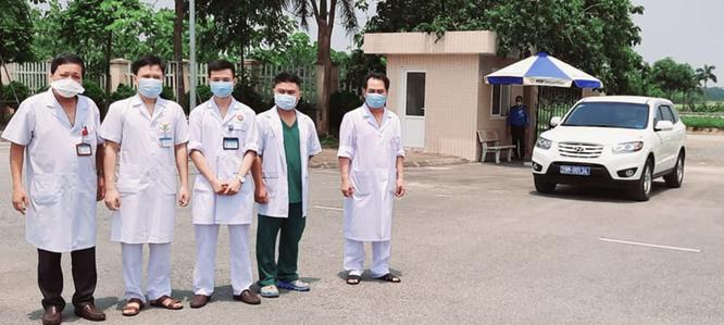 2 bệnh nhân COVID-19 đang nguy kịch, phải can thiệp ECMO để duy trì sự sống ảnh 1