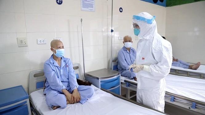 Bộ Y tế phê bình các bệnh viện điều trị COVID-19 thiếu chủ động trong cấp cứu, hồi sức tích cực ảnh 1
