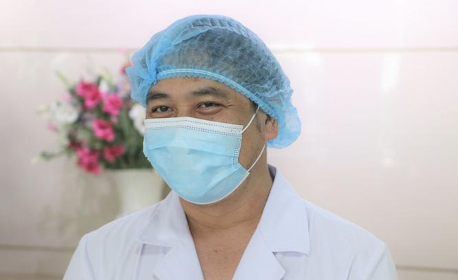 Hơn 700 bác sĩ, bệnh nhân ở bệnh viện tuyến đầu chống COVID-19 bầu cử để lan toả niềm tin ảnh 2