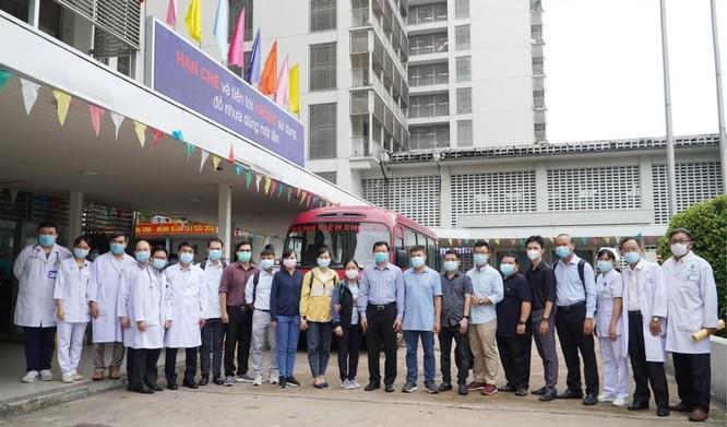 Sau lời kêu gọi của Bộ trưởng Bộ Y tế, các bệnh viện huy động lực lượng chi viện cho Bắc Giang ảnh 2