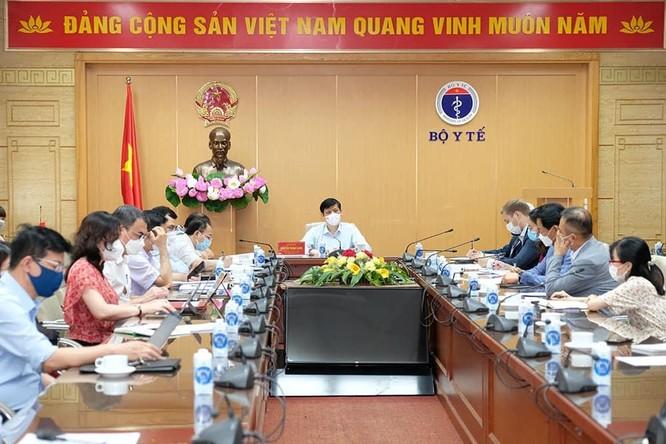 Bộ Y tế tìm cách tiếp cận các nguồn vaccine phòng COVID-19 trên thế giới cho Việt Nam ảnh 2