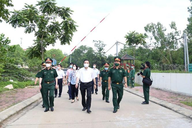 50 ca COVID-19 trong khu cách ly, Chủ tịch Hà Nội yêu cầu giảm mật độ người, không để lây nhiễm chéo ảnh 1