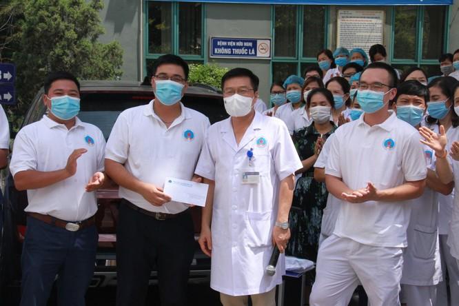 """Bệnh viện Hữu Nghị """"xuất quân"""" lên đường chi viện cho Bắc Giang ảnh 1"""