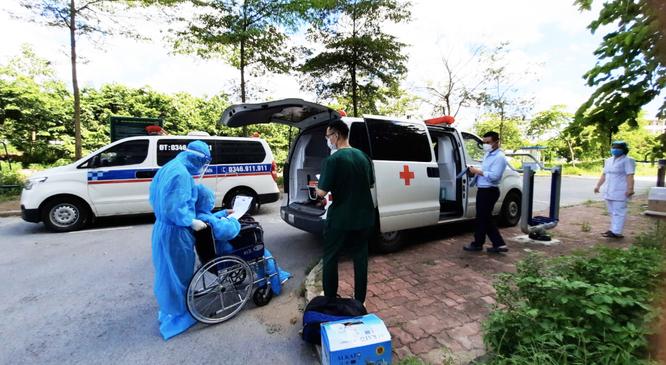 BV Bệnh Nhiệt đới TW: Người phụ nữ 50 tuổi hồi sinh sau 31 ngày cận kề cái chết ảnh 1