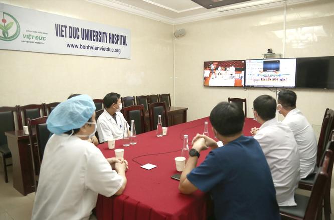 Bác sĩ hội chẩn trực tuyến cứu người bệnh đang hấp hối vì vỡ ruột non ảnh 1